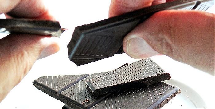Ali je presna čokolada res bolj zdrava od običajne?